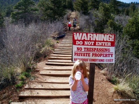 Manitou Incline No Trespassing Sign