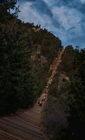 The Incline's average grade is an astonishing 48%.  This truly is a public, outdoor stair-master.